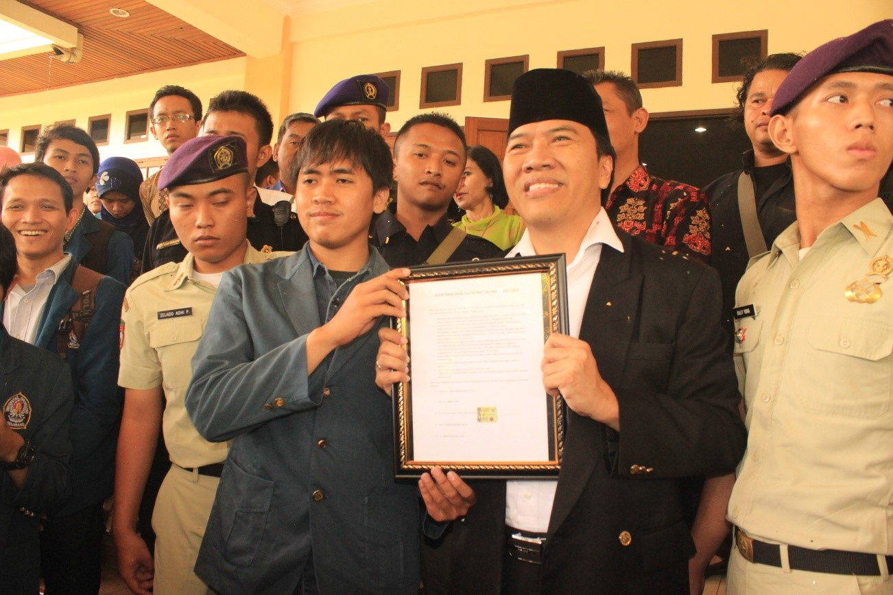 Rektor Terpilih Terima Pakta Integritas