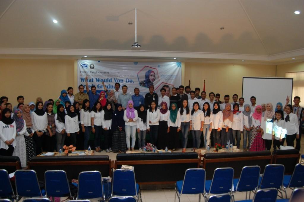 Peserta Seminar berfoto bersama narasumber dan perwakilan Dekanat Fakultas Peternakan dan Pertanian (FPP) Undip (Dok.Pribadi)