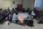 Mahasiswa FK menghadiri konsolidasi untuk membahas langkah pengawalan UKT dan SPI, Senin (9/5).