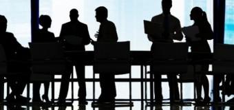 Rapat, Pilih di Kampus atau di Luar?