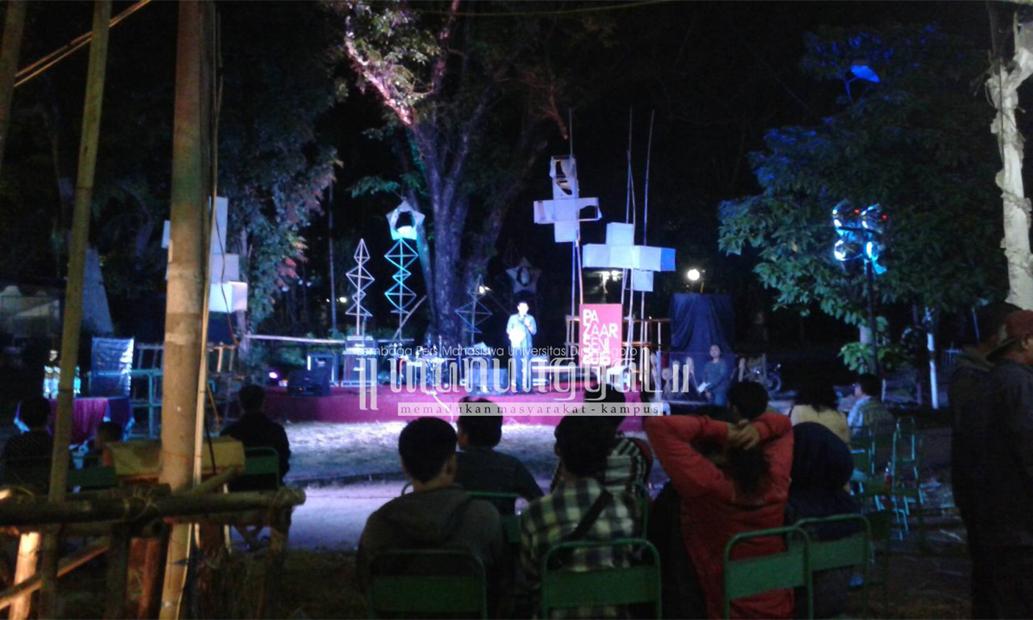 Penutupan Pazaarseni 2016 oleh perwakilan Wali Kota Semarang, Rabu (31/8) di Taman Budaya Raden Saleh. (Clara/Manunggal)