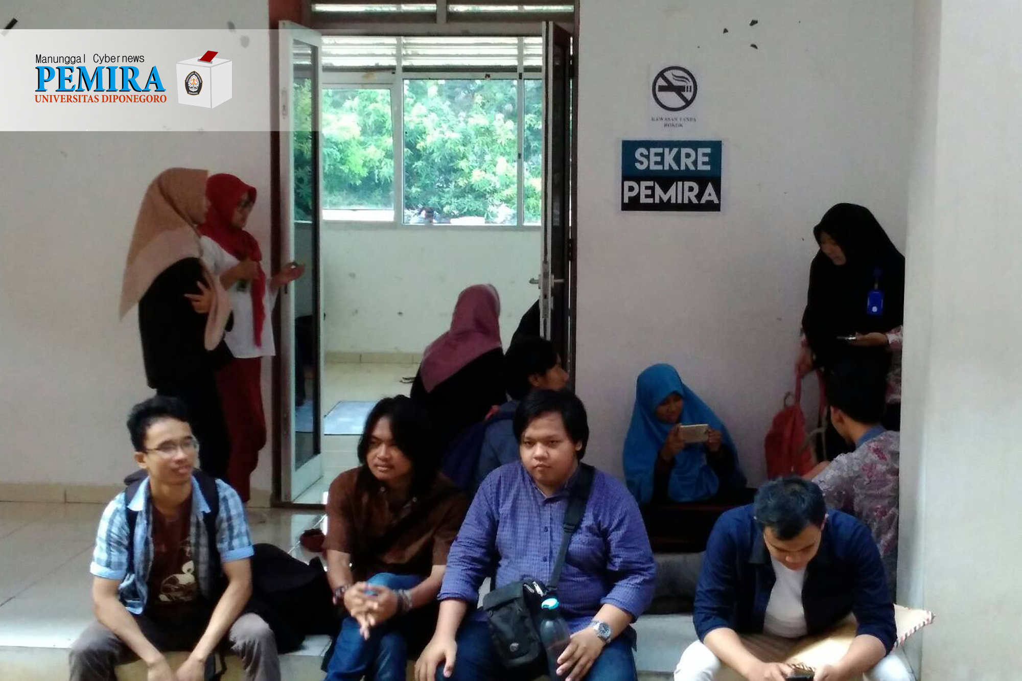 Keadaan Sekretariat Pemira Undip menjelang penutupan pendaftaran pada Rabu (25/10). (Jazaak/Manunggal)